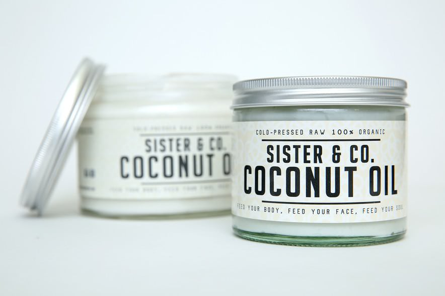 A natural face mask recipe using Sister and Co raw organic coconut oil and tumeric